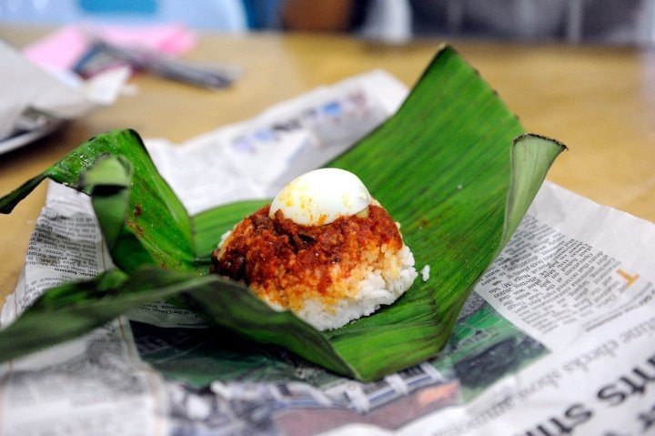 Can't live without my nasi lemak (Photo credit: Pravich Vutthisombut)